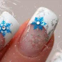 Новогодний маникюр – снежинки