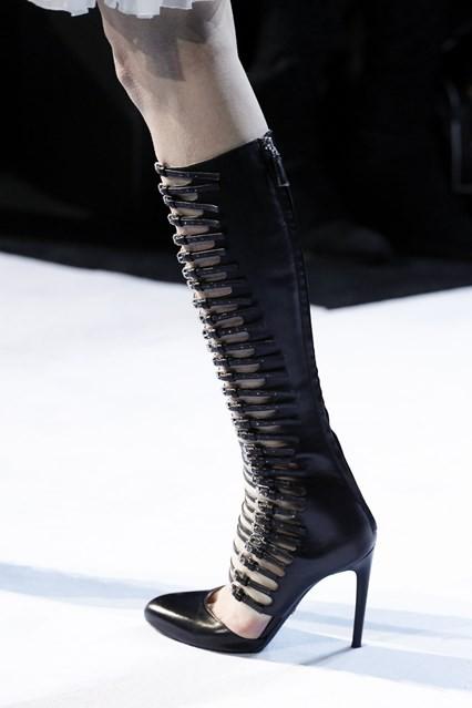 модная обувь осень зима 2016 2017 ремни