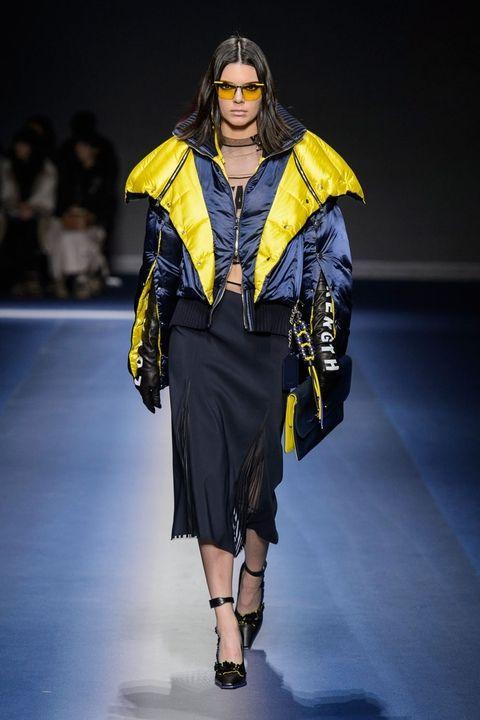 Versace fall 2017 - пуховики