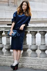 Синее бархатное платье - с чем носить, образы, фото