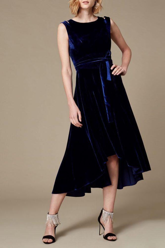 фото-синее-вечернее-бархатное-платье-для-выпускного