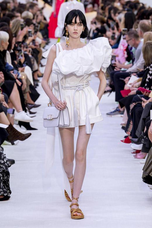 Модные летние женские платья.