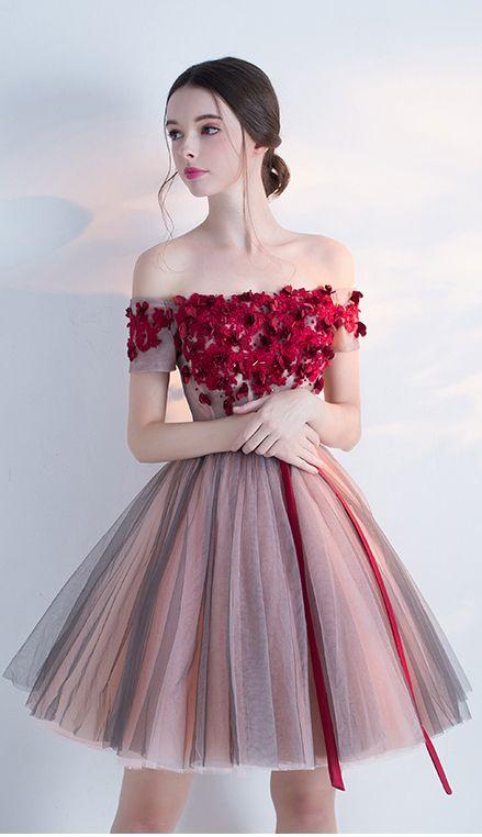 фото выпускгое платье пышное короткое с цветами