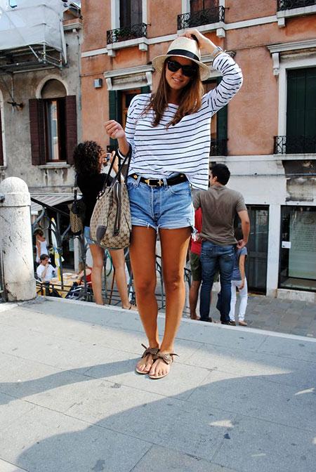 фото джинсовые шорты и шляпа