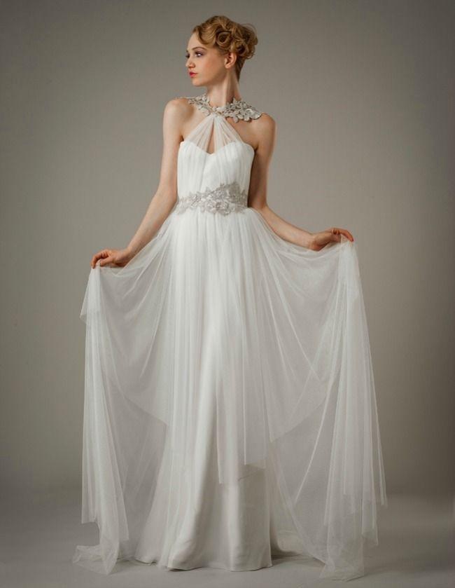 фото белое выпускное платье