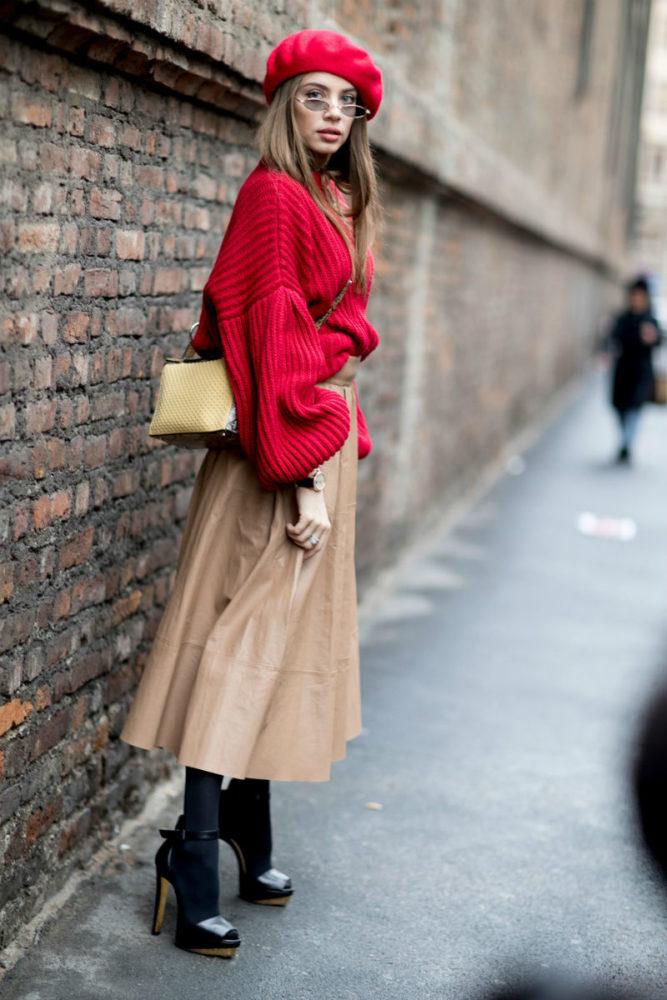 как носить женский красный берет