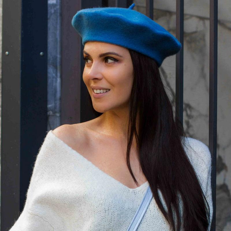 как носить синий женский берет