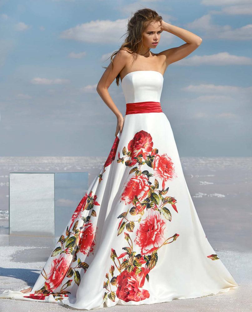 Какое платье выбрать на Новый Год 2021: стильные тенденции и цвета