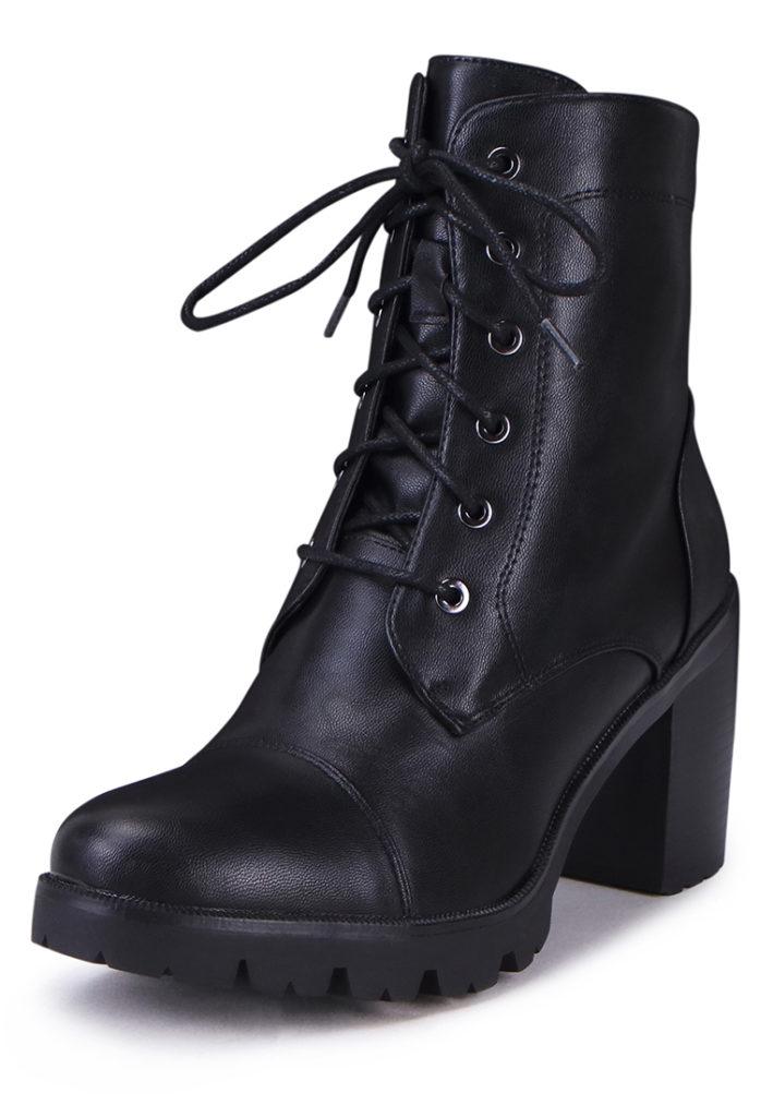 женские ботинки на шнуровске