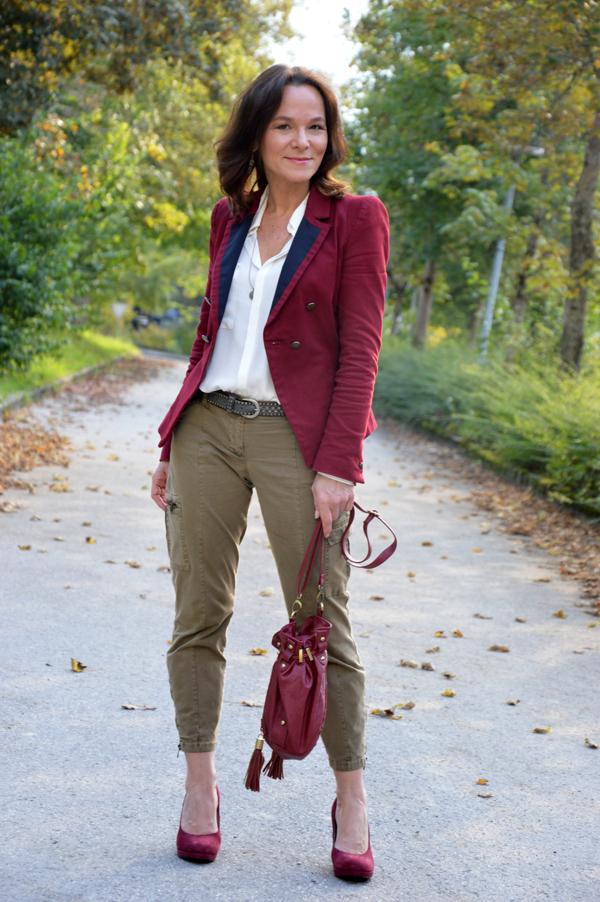 сочетания бордового цвета в одежде