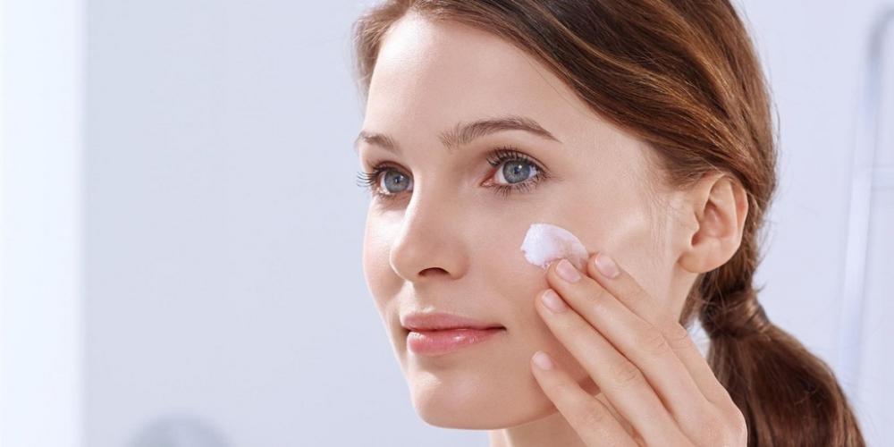 Как выбрать хороший крем для лица на лето?