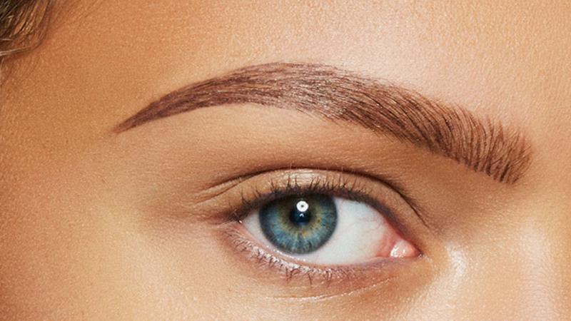 Перманентный макияж бровей: плюсы и минусы каждого метода