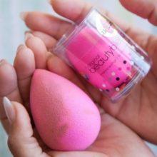 Розовое яйцо бьюти-блендер: что это и с чем его едят?