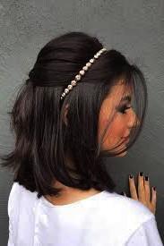 Актуальные прически на длинные волосы на выпускной вечер.