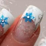 Новогодний маникюр — снежинки